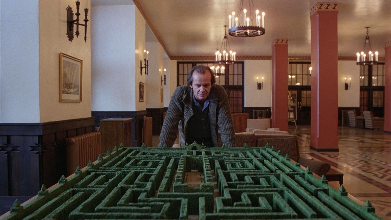 jack-nicholson-looks-at-shining-maze