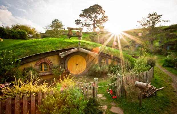 Construisez votre propre maison de hobbit spotern for Construisez votre propre maison moderne