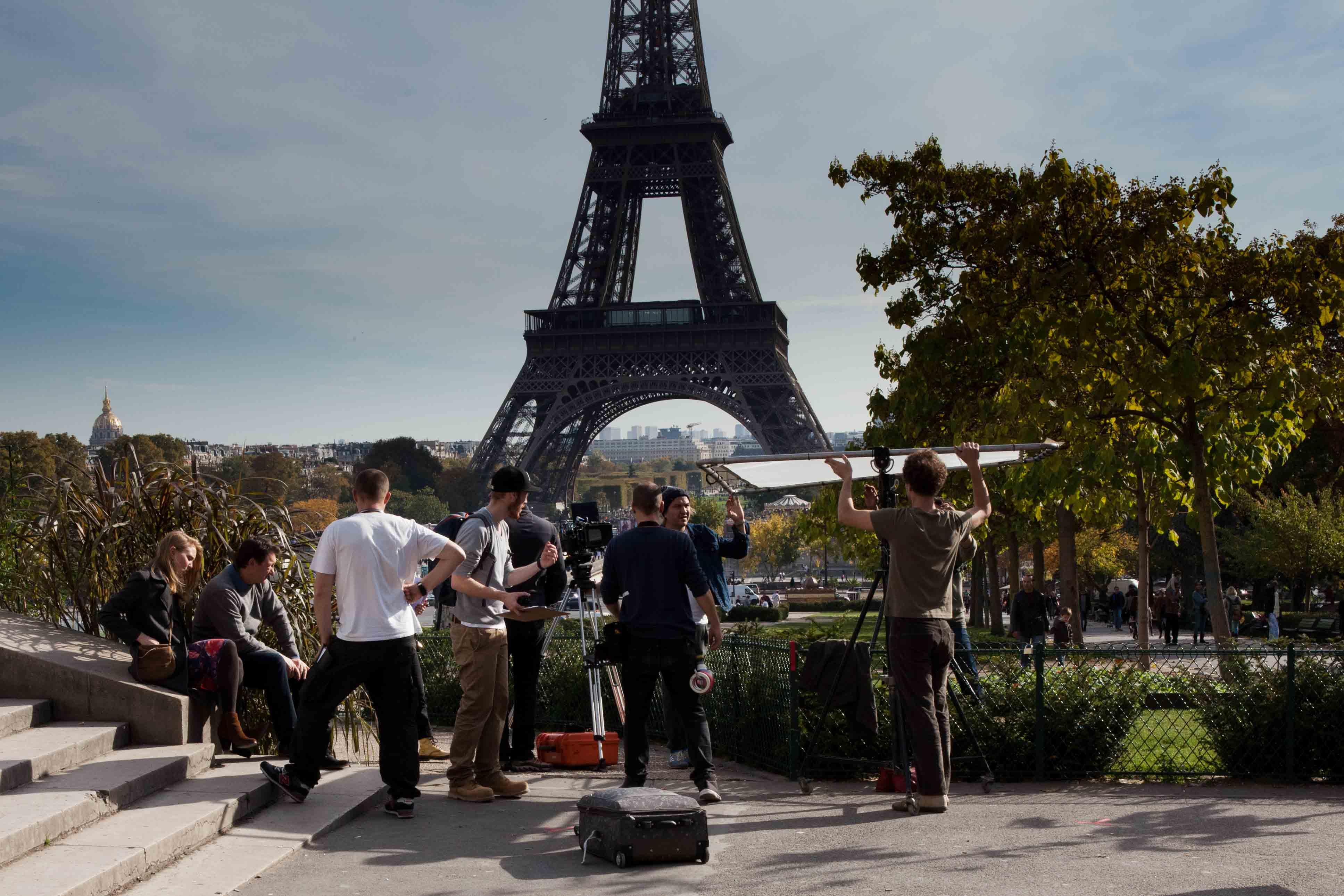 Le salon des lieux de tournage paris est un d cor for Salon de l invention paris